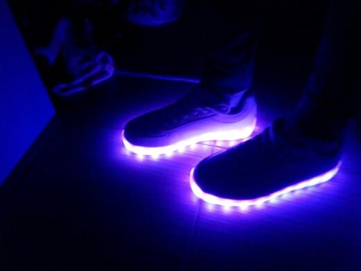 leidde sneakers winkel, leidde schoenentennisschoenen, led strip sportschoenen, leidde sneakers wit, leidde sneakers youtube,