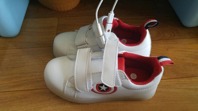 schoenen met led lichtjes, schoenen ontmoette geleid zool, schoenen met led lampjes, led-schoenen, leidde schoenen,