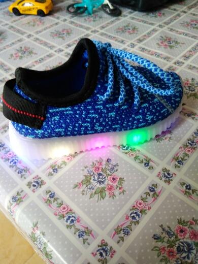 svítící boty led, led svítící boty levně, led svítící boty, svítící boty mickey mouse,