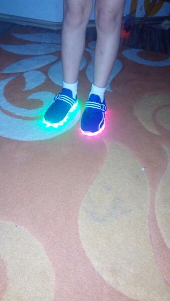 klipy s led na boty, svítící boty dětské, svítící boty pánské, svítící boty cena,