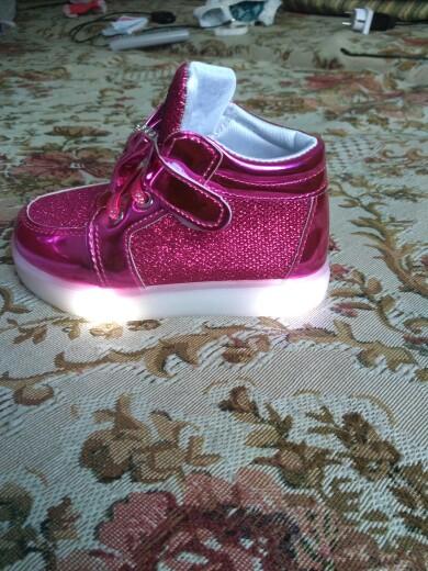 svítící boty dámské, svítící boty levně, svítící boty, svítící boty dívčí,