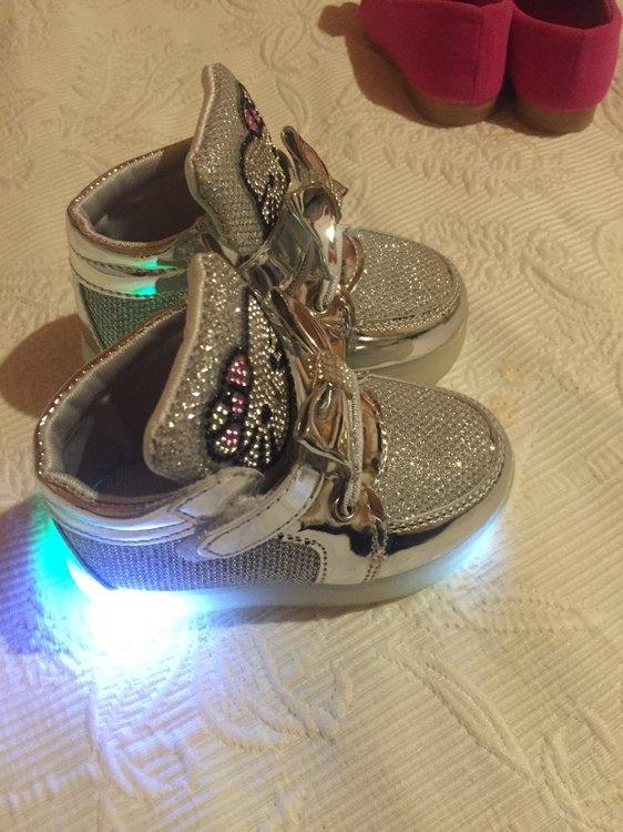 led boty, led boty detske, boty na led, klipy s led na boty, svítící boty dětské,