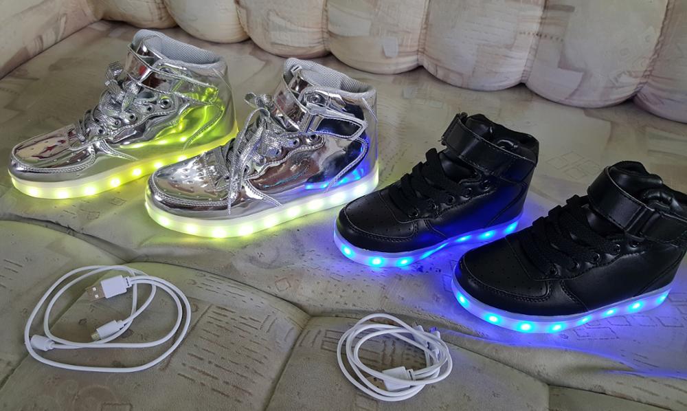 7c7bffb53fe Svítící boty dětské   LED svítící kolečka na boty • Svítící tenisky ...