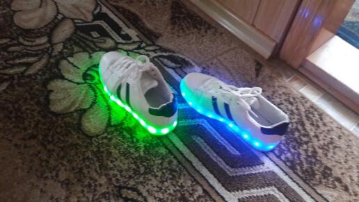 احذيه مضيئه بالرياض,  احذية مضيئه, الحذاء المضيء,