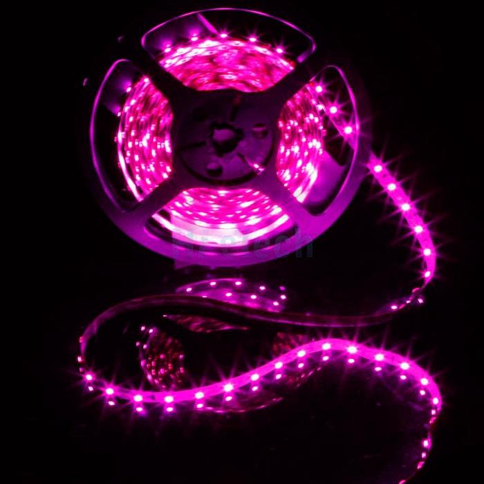 Tira de LED con luz rosa para carnicería