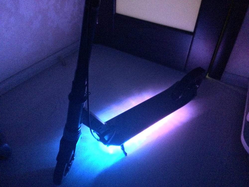 подсветка самоката × светящийся самокат × самокат с подсветкой