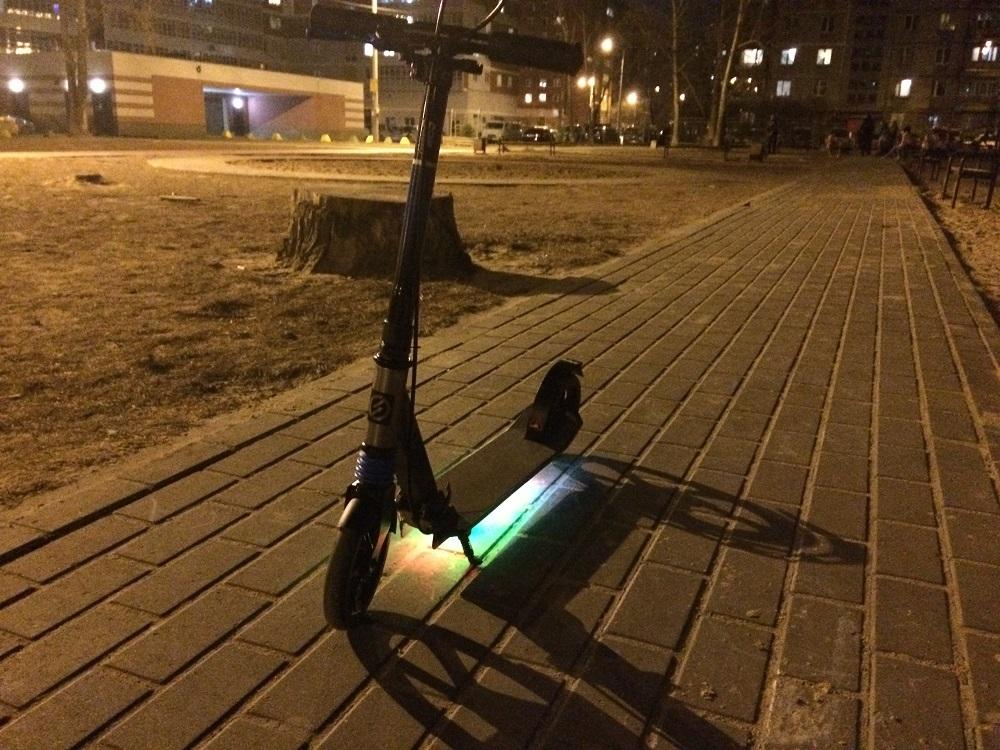 Светодиодная подсветка для самоката